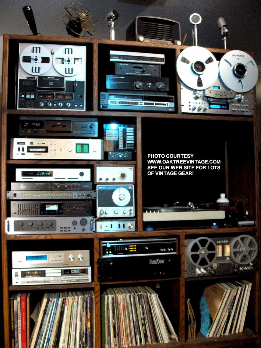 Old School 2 Channel Stereo System With Lots Of Gear