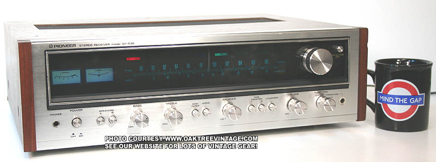 Pioneer_SX-636_Receiver_Blue-Face_Lit_Web.jpg