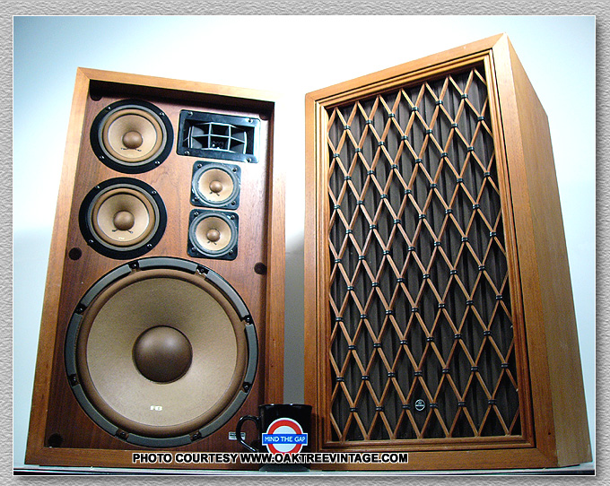 classic vintage home audio stereo speakers