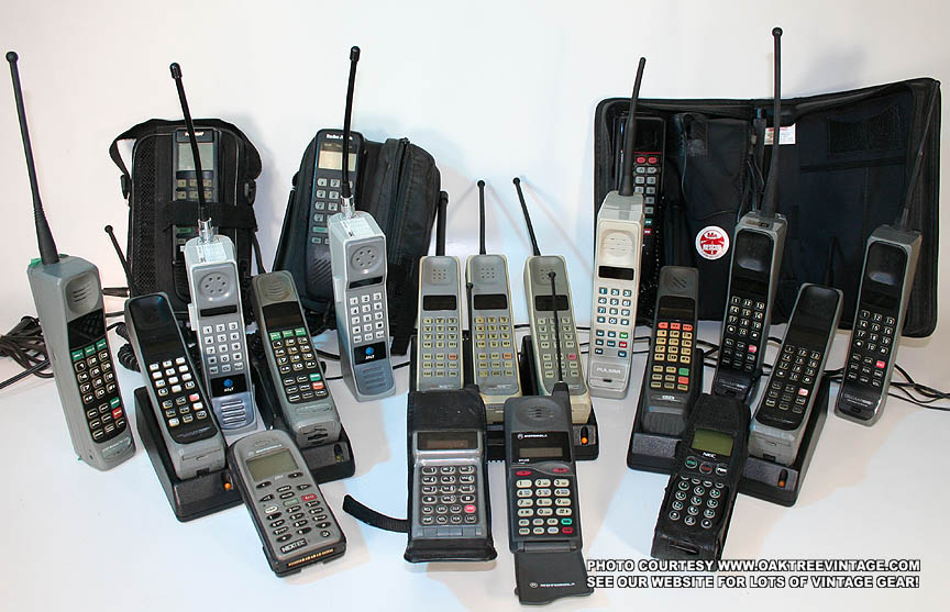 Brick_cell-phones_Flip_Vintage_Cellphone_bag-phones_Group_collection_photo