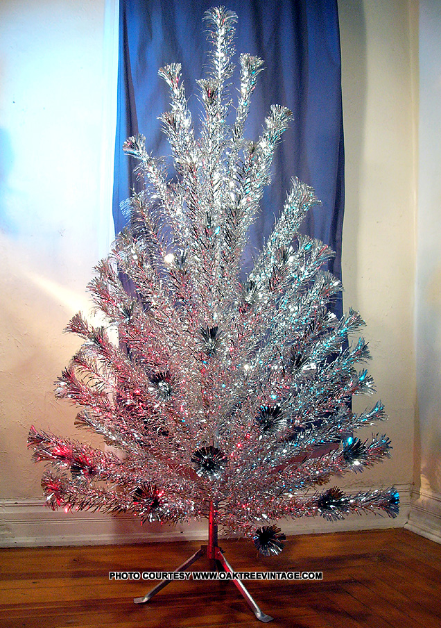 Aluminum Christmas Trees - Photos - Archive