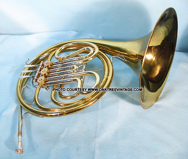 selmer bundy single french horn for sale pre owned second hand french horn just serviced. Black Bedroom Furniture Sets. Home Design Ideas